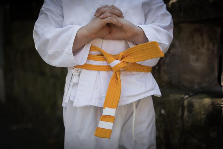 apuntar a un niño a artes marciales