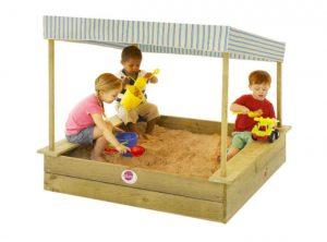 arenero para niños con techo