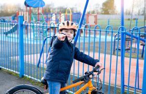 consejos para enseñar a niños a montar en bici