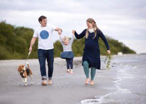 fotos familiar playa y perro