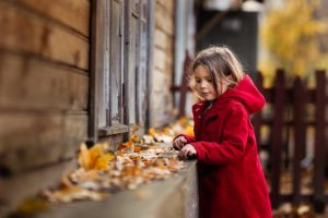 hacer retratos de niños en otoño