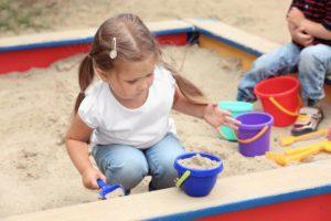 instalacion y mantenimiento de arenero infantil