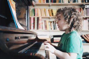 los niños aman la música