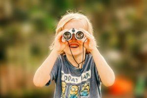 regalar prismaticos niño