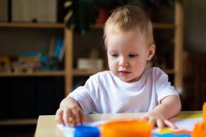 tipos de juego en el crecimiento del niño